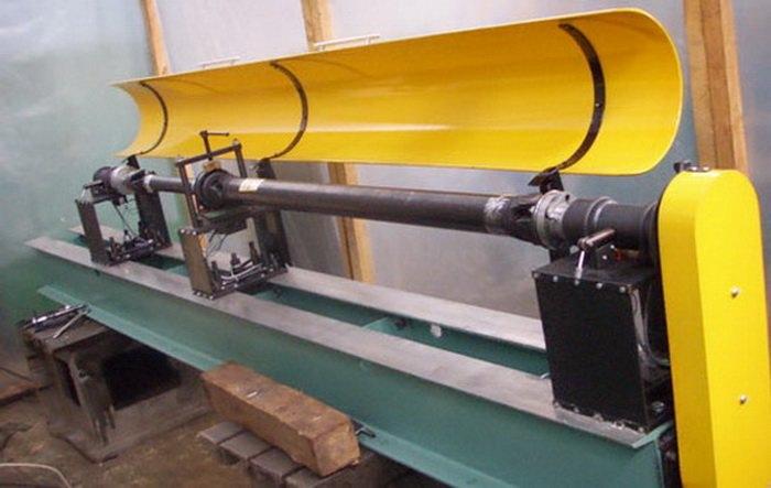 После удлинения или укорачивания карданного вала, его в обязательном порядке проверяют на балансировку и биение