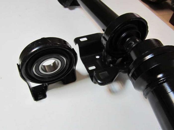 Специалисты нашего карданного сервиса производят: как восстановление фланца, так и замену фланца карданного вала на современном оборудовании.